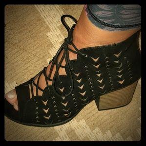 Qupid black suede sandals
